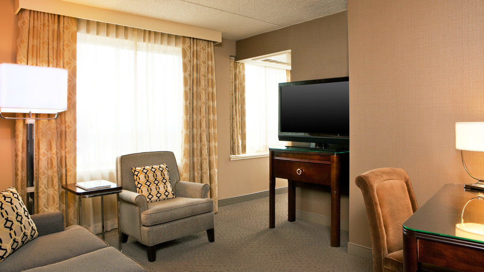 Malvern, PA Accommodations - Junior Business Suite
